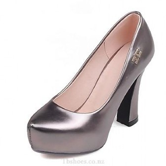 What Females Look For In Shoes