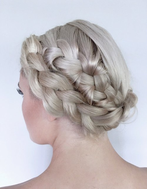 Some Great Tips to Find The Best Hair Cut Salon