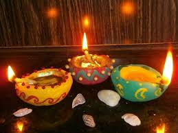 Read more about the article Best Diwali Gift That You Can Buy For Your Wife