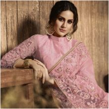 Lehenga Choli with Indian Jewelry Makes a Woman Look Authentically Traditional